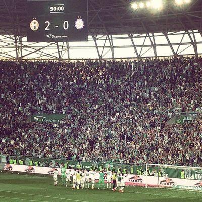 A győzelem a Ferencvárosé!! Ferencváros Fradi FTC  Hajrafradi Zöldfehér Fradiujpest Derby Mocskoslilak Football Soccer Hungary Mennyei Groupamaarena Győzelem Win Match Matchday Teltház Fans