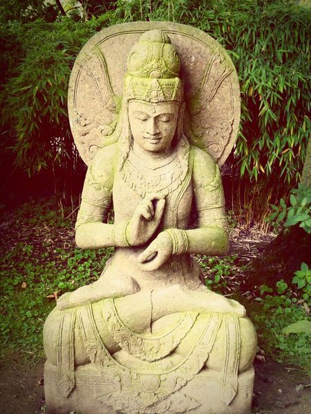 Sculpture Statue Faith Buddhism Buddha Statue BUDDHISM IS LOVE Faith In Humanity Meditation Garden Meditation Zen Garden Glaube Und Religion Buddhism Culture Buddhismus Love Loveyourlife Enjoying Life Thankful EyeEmNewHere