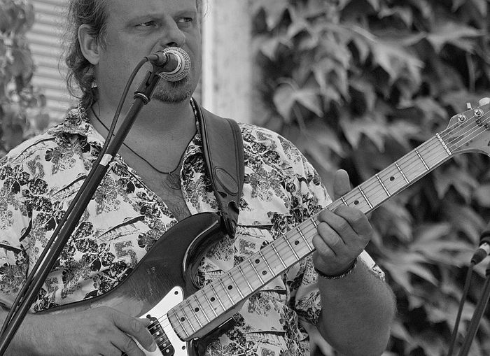 Blues Musician Blues Berlin Caldonias Lost Lovers Cal Ravens Rainer Bachmann Urban Blues Music Rainer Bachmann Blues Concert Building Exterior Concert Hall  Musician Musicians Life Guitarist Musical Instrument String Rock Group Entertainment Occupation Music Concert