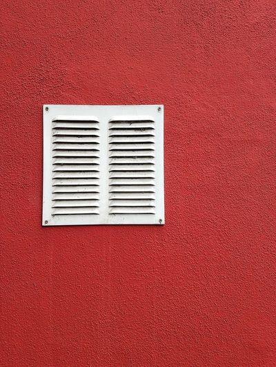 rot verputzte Hauswand Ru Rot Architektur Red Air Duct Textured  Indoors  No People Day Close-up