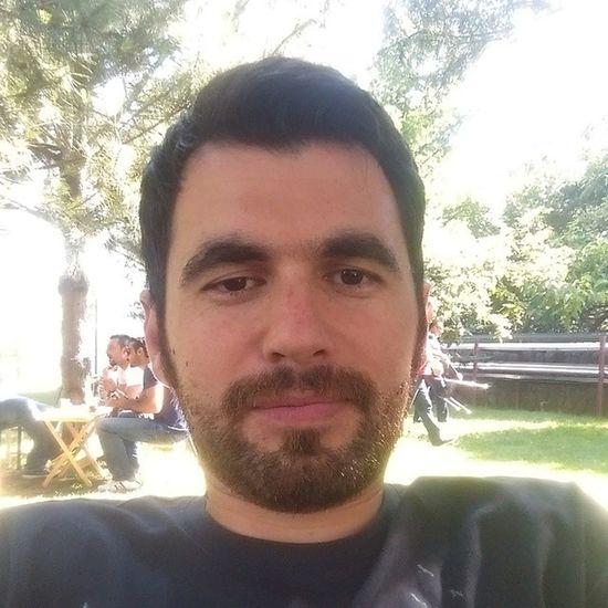 Sakali saldik, saclar jolesiz. Oructan kaymis halimiz... Peh peh peh... Selfie özçekim Turkcell Maltepe ben me serkan remphin SELFIE ramadan ramazan