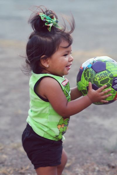 Was teaching babygirl how to kick the ball today 😊 Ninja Turtles my Alitello ;)