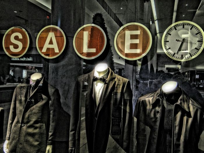 Sale and Time Mannequins Fashion Time Time To Reflect Reflection Store Decor Storewindow Decoration Storephotography Storewindow Portrait Of America