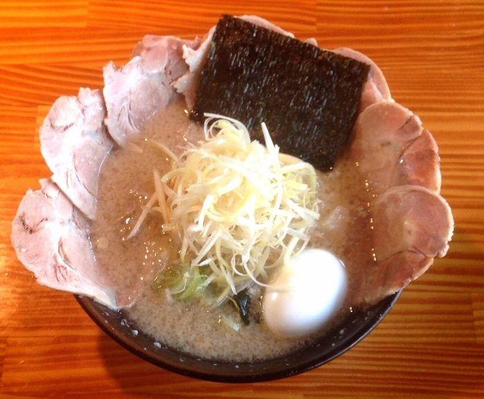 船橋市 とんちゃん 今回はネギチャーシュー麺 前回はチャーシュー麺 だけど チャーシューの量が今回の方が多いよぉ~な?✨