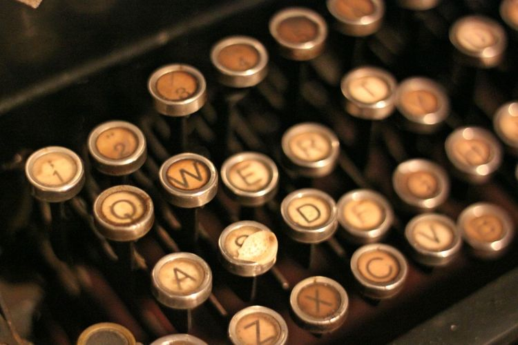 Close-up Communication Day High Angle View Indoors  Metal No People Old-fashion QWERTY Old-fashioned Old-fashioned Keyboard Old-fashioned QWERTY Qwerty Qwerty Qwerty Keyboard Qwerty Old-fashion Keyboard Qwertylife Qwertyuiopa Text