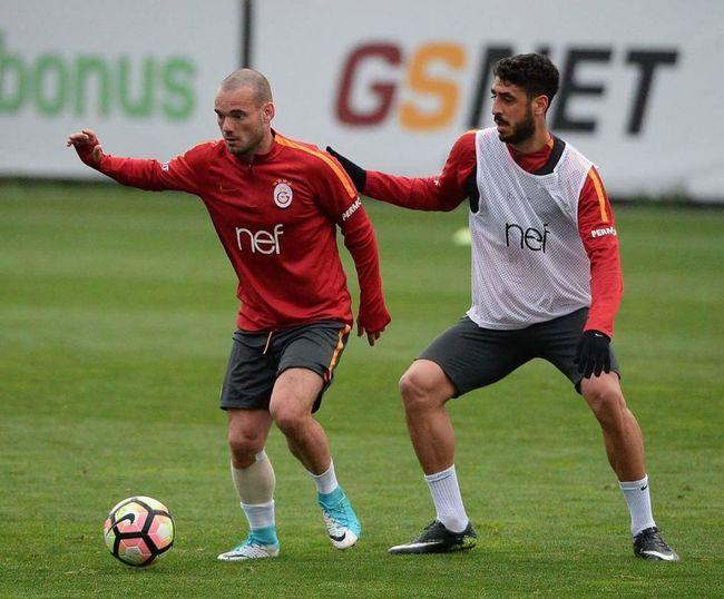 Galatasaray Cimbom 💛❤️ Galatasaray Sevdası😍 GALATASARAY ☝☝ Wesley ❤ TolgaCigerci💛❤