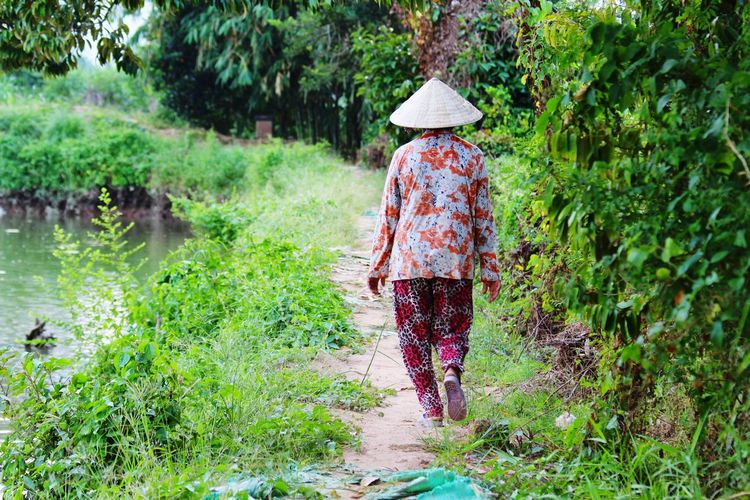 Nature Taking Photos Travel Traveling People Photography People On The Road Peace And Quiet Holiday Check This Out Vietnam People Vietnamese Vietnam Vietnamesegirl Vietnam Trip Vietnam Daily Life Vietnamphotography Vietnampicture Women Around The World