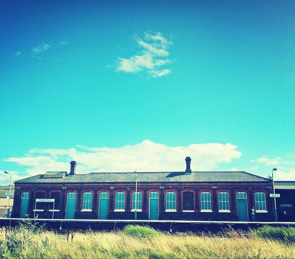 Abergele Train Station ... Turquoise Solo_cloud