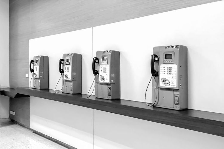 Communication Connection Convenience Day Equipment In A Row Indoors  Mounted No People Pay Phone Retro Styled Side By Side Technology Telecommunications Equipment Telephone Telephone Booth Telephone Receiver Wall - Building Feature