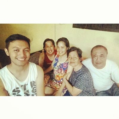 Celebrating Christmas with complete members of the family. Christmas2014 Smile Familyselfie FirstPhotoOnMonopod