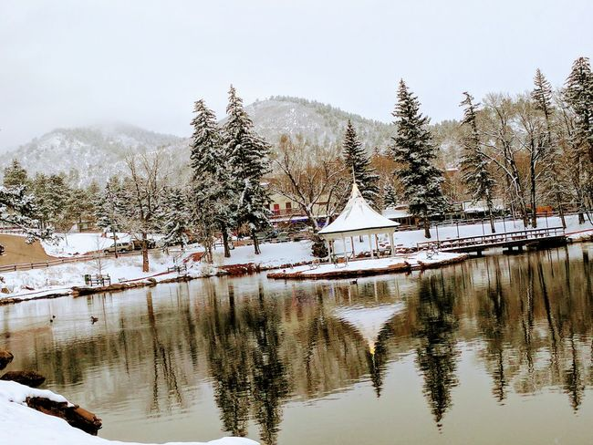 Reflection Water Tree Lake Tranquility Outdoors Nature Sky Snow Reflection Lake No People Google Pixel XL Green Mountain Falls Beauty Around Me EyeEm Nature Lover Ripples On The Water Beauty In Nature Mountain Gazebo