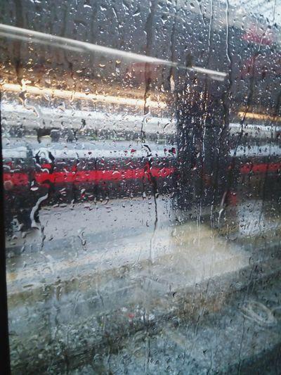 Train Italotreno Water Window Wet Drop Looking Through Window Glass - Material
