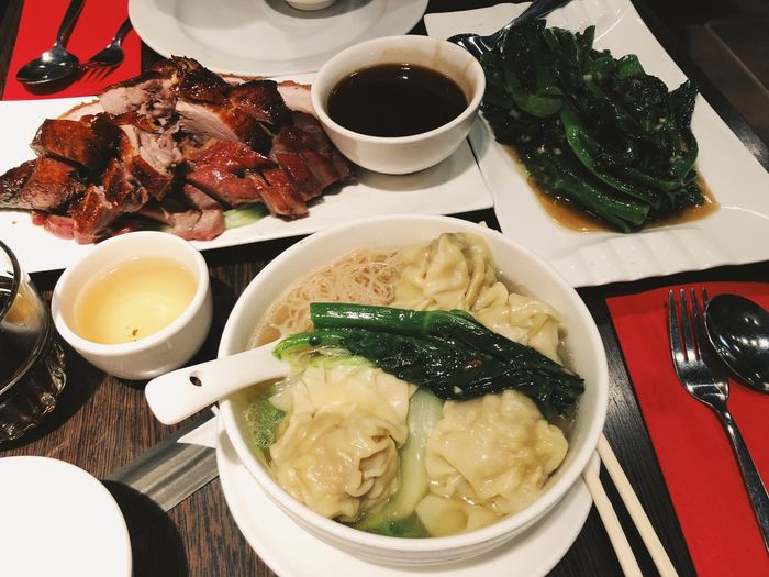 Chinese Food Asian Food Asian Culture Cantonese Food Freshness Food And Drink Food Ready-to-eat Indoors  Vegetable High Angle View Meal Soup Serving Size Meat Close-up Still Life Serving Dish Dinner Bowl Meal Eating Yummy Delicious China Town