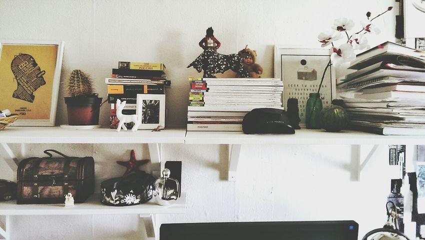 Interior Books WHiTE WORLD White