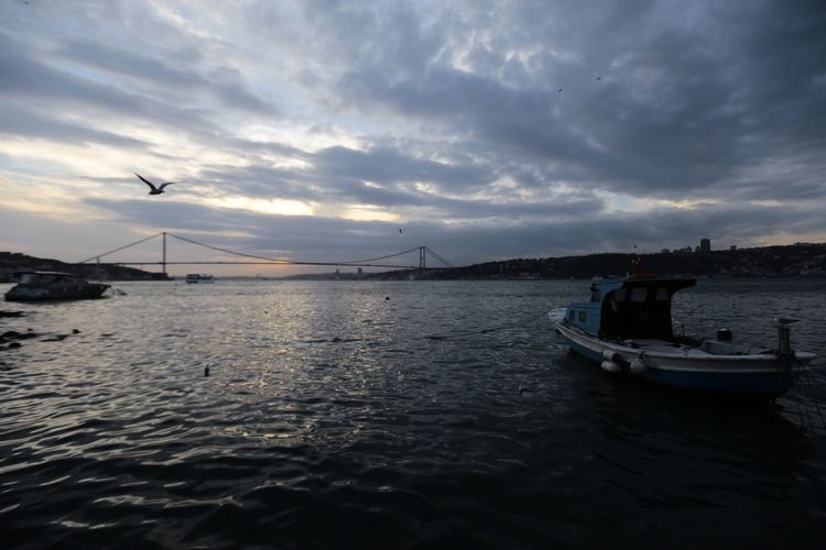 Bosphorus Bridge Istanbul Sea And Life Boats Sea Taking Photos