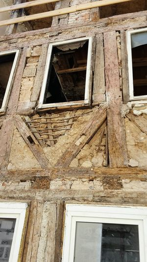 Architecture Window Built Structure Building Exterior No People Day Low Angle View Full Frame Outdoors Construction Site Renovation Renovierung Fachwerk Fachwerkhaus Fulda Truss Timbered House