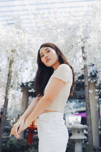 My Best Photo International Women's Day 2019 Streetwise Photography Young Adult One Person Young Women Beautiful Woman Three Quarter Length Long Hair Beauty Lifestyles Hair Women Standing Real People Hairstyle Leisure Activity Adult Looking At Camera Casual Clothing Portrait Outdoors