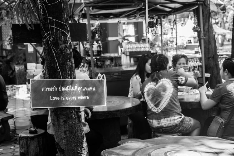 Chiangmai Market SpreadTheLove Thailand Culture Day Food Loveiseverywhere Men Oldcity Oldtown Outdoors People Real People Togetherness Women
