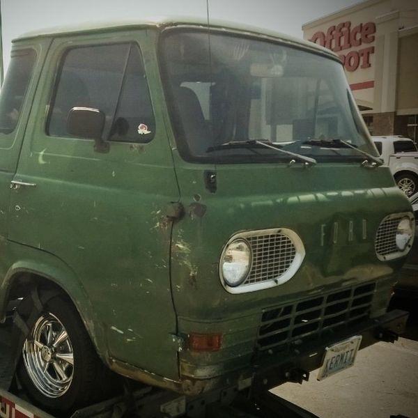 Meet Kermit... Econoline Boogievan Oldvan Oldpickup fordeconoline