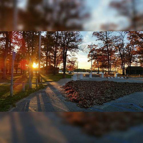 Twin lake, oh how I can't wait. Likeforlike Likeitup Tagsforlikes Tflers Artbasel Photography Twinlake Muskegon Michigan Samsung Gs5 Fall Colors Trees Sunset Nature Lake