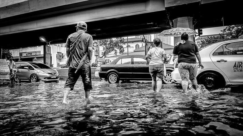 Life is tough but it's wonderful... Hardlife RoughDay Urbanphotography Enjoying Life Paco Manila Street Streetphotography EyeEm Best Shots The Street Photographer - 2015 EyeEm Awards EyeEm Gallery