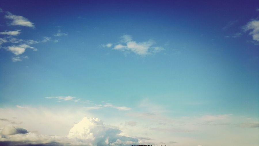 это просто...нет слов просто *_* Sky And Clouds EyeEm Nature Lover Sky Porn June