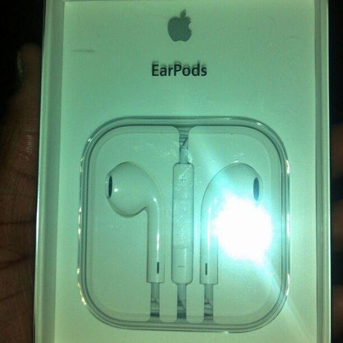 I love these I finally got them Earpods Apple Bass Loud slapinniggas