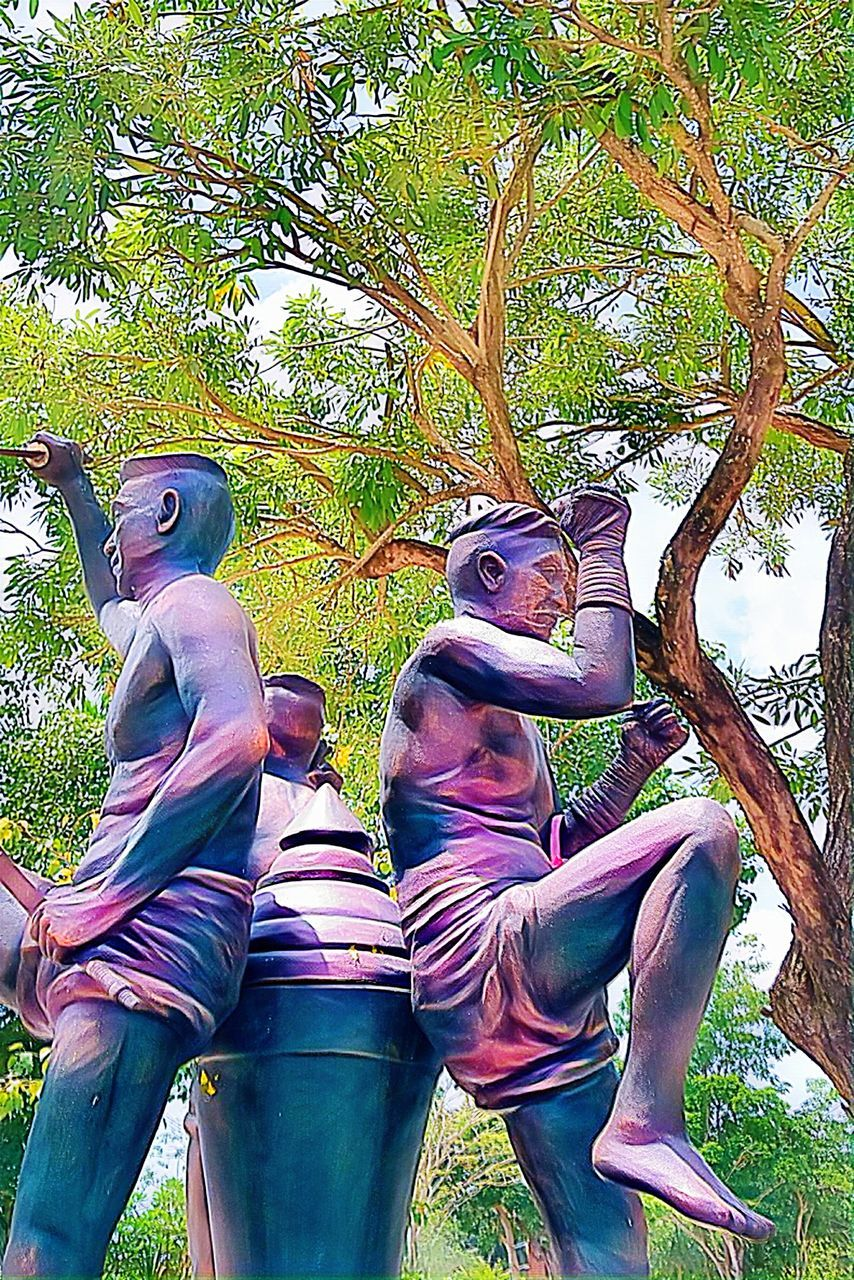 representation, plant, art and craft, tree, sculpture, day, creativity, human representation, statue, men, nature, leisure activity, people, casual clothing, real people, outdoors, growth, childhood