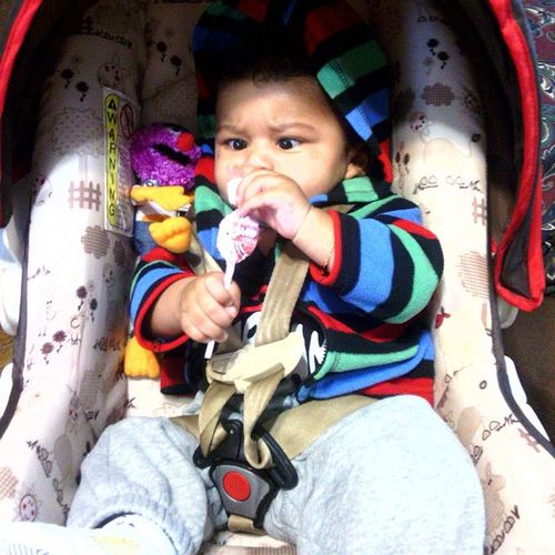 He was so determined to eat that blowpop,lol. I miss my munchkin so much 😔 Babyxavier