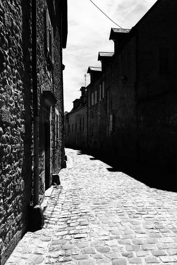 Une rue Black
