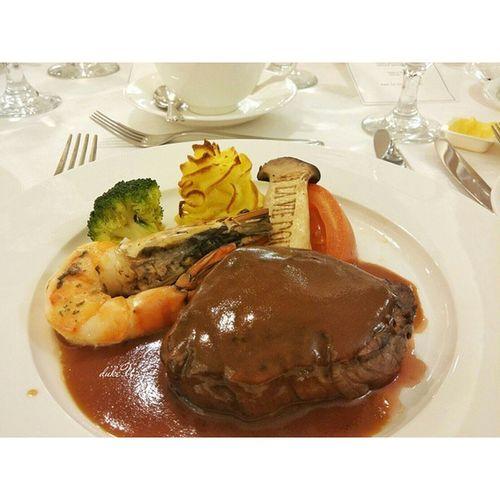 Grilled Beef Tenderloin n Kingprawn with Mushroomsauce yummy yum foodie foodgasm foodporn foodtravel gastronomy gastronogram culinaryart cuisine culinary lgg2 finedining foodphotography squaredroid