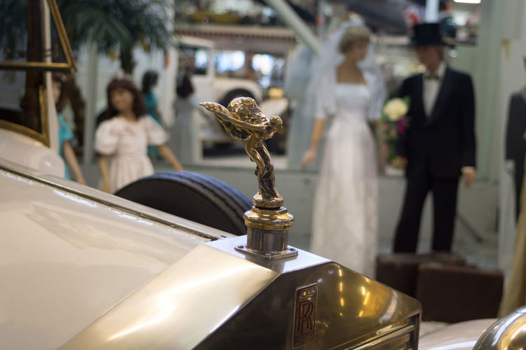 Auto und Technikmuseum Classic Car Emily Gold Gold Colored Hood Ornament No People Rolls Royce Sculpture Spirit Of Ecstasy Statue Vintage Cars Wedding Dress Wedding Photography Rainersinsheim