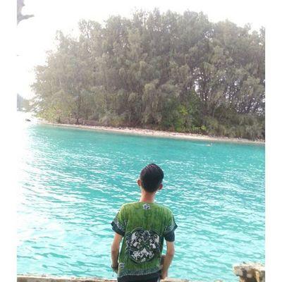 Inilah cara mensyukuri karunia-Nya, Merasakan Kebesaran dan Keperkasaan-Nya atas Alam yang tercipta ini.. Pulauair KepulauanSeribu Camping Pantai TripPulau Pulaupramuka Indonesian Indotravellers Adventuretime Adventure Pulau Island Proudofindonesia