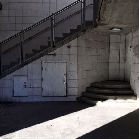 London Stairs Stairsandsteps Chasinglight Acertainslantoflight