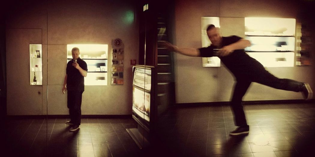 The difference between standing and flying - MAinLoveWithFreedom Fooling Around in Standing vs. Flying Worlds Worst Selfies Mirror Selfies  Mirror Reflection Reflections Having Fun - 26.04.2015