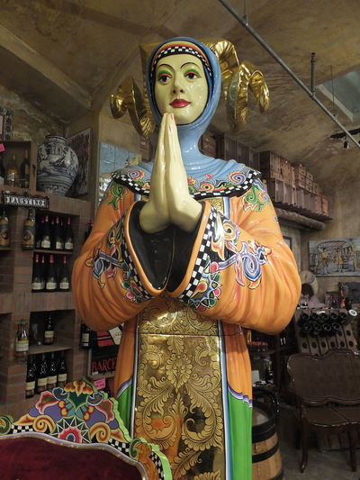 Ceramic Prayer Woman Art Art Work Barcelona Ceramic Art Ceramic Artwork Ceramic Shop Ceramic Statue Composition Full Frame Fun Human Representation Illuminated Indoor Photography Islam Multicoloured No People Prayer Religion Retail  Spaın Statue Tourist Attraction  Unusual Waist Up Woman