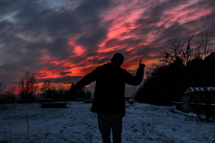 dancin' Silhouette Only Men One Person One Man Only Adults Only People Men Sky Outdoors Winter Nature Adult Snow Sunset Sunset_collection Beauty In Nature Tumblr Aesthetic Shadows & Lights Cloud - Sky Photographer Photography Friends Grunge Cold Temperature