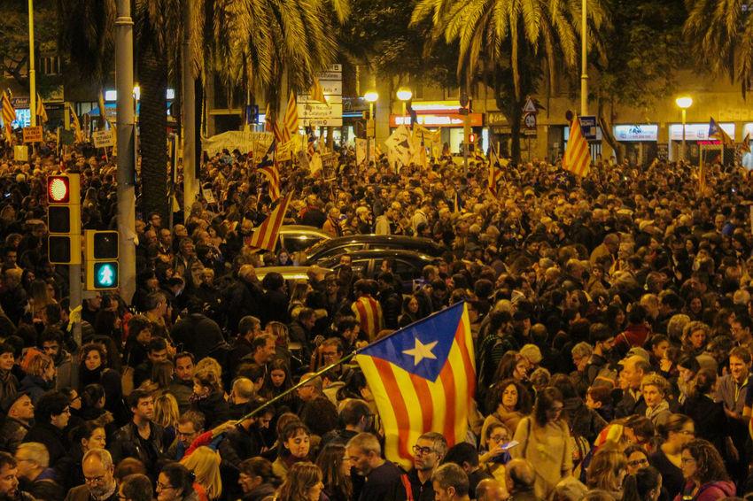 Manifestacion contra os presos politicos 11.11 em Barcelona Barcelona Catalunya Protest Catalunyaindependent Manifestación Manifestation Politics And Government Prisoners Streetphotography