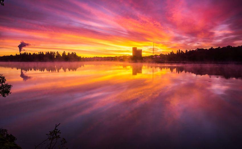 Industrial Reflection Smoke Sweden Trollhättan Cloud - Sky Mist Sunrise Sweden Nature Water