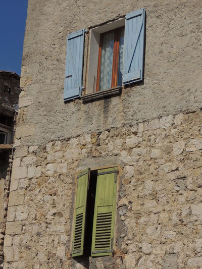 Architecture Building Exterior Built Structure Castellane Day France Photos Francetourisme Low Angle View No People Old Buildings Old House Outdoors Provence Provence Village Provenceessentials Verdon Verdon Gorge Village Village Photography Village Road Village View Villages Weathered Window Yellow
