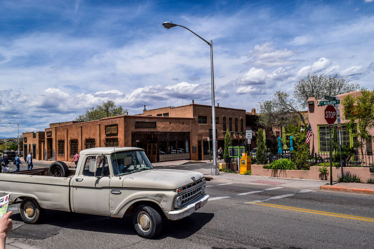 The old American EyeEm Best Shots Eye4photography  Santa Fe New Mexico May 2019 Santa Fe New Mexico USA City Sky Cloud - Sky Architecture Building Exterior Vintage Car Street Street Scene