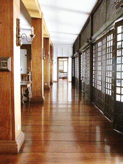 Indoors  Built Structure Hallway Corridor No People Architecture Day