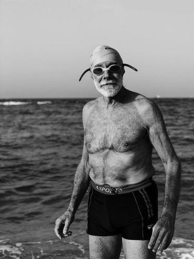 מייים מייאייפון10 מייבתגלים ShotOnIphone IPhoneX Water Sea Real People Land Beach One Person This Is Aging This Is Aging Summer Exploratorium