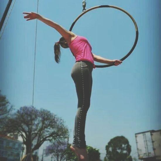 Lira Acrobatics  Acrobat Fly Circo Gym Strong Pain Gain Light