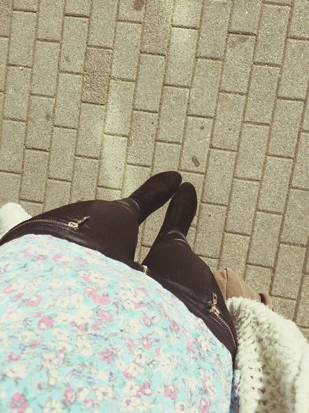 Outdoor Photography Outdoors Outside Autumn Colors Casual Clothing Young Adult Waiting Waiting For The Bus Bus Me Legsselfie Favourite Shoes Went Home