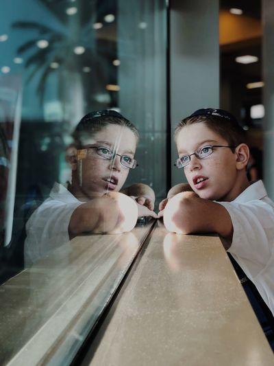 Time to Dream מייאוטובוס מייפינתעישון ShotOnIphone IPhoneX מייאייפון10 Reflection Real People Indoors  Portrait Eyeglasses  Glasses Mirror