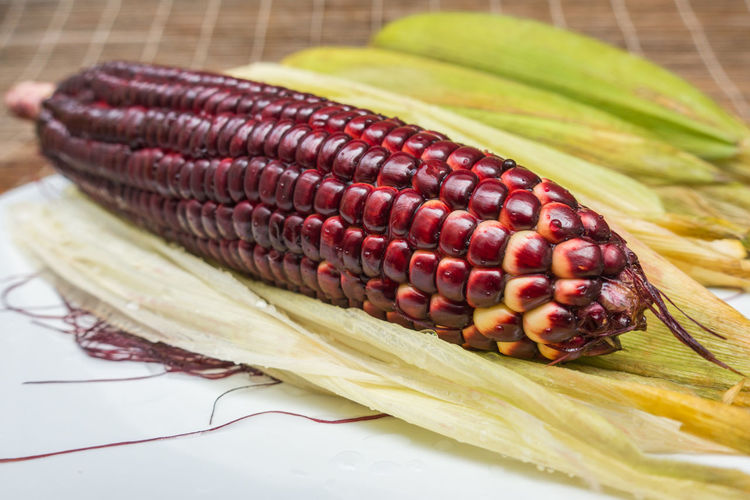 Eating Red Corn Siamrubyqueen Corn Thailand Vegetarian Corn Corn Harvest Eating Healthy Food Food And Drink Fresh Freshness Fruit Generation Healthy Healthy Eating Healthy Food New Corn New Product Product Ruby Corn Vegetable