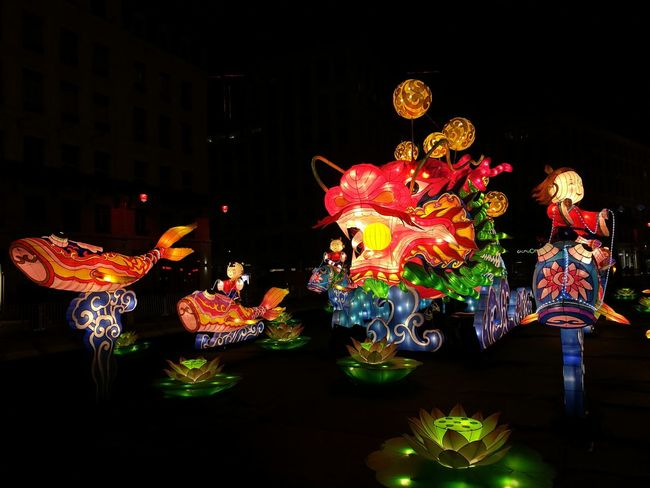 Fête des Lumières 👸 Riding a fish Celebration Night Black Background Chinese Lantern Festival Chinese Dragon Annual Event Light Dragon Lighting Lantern Outdoors Celebration Fete Des Lumieres Lyon Event Famous Tourist Attractions Mycity Lights Nightlife Arts Culture And Entertainment Chinese Large Group Of People Chinese Lantern People My Year My View