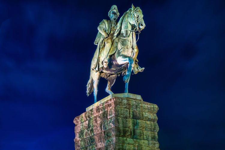 Cologne Force MILITANT Myth Podium Power Rock Winter Century Copper  Emperor Equestrian Germany History Horse Military Monument Night Noble Patina Protected Respected Season  Snow Wilhelm #urbanana: The Urban Playground