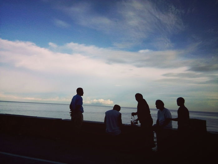 Togetherness Sea Adult Medium Group Of People Cloud - Sky Friendship Enjoyment Silhouette Sunset Men Captured While Riding On A Car Mobilephotography